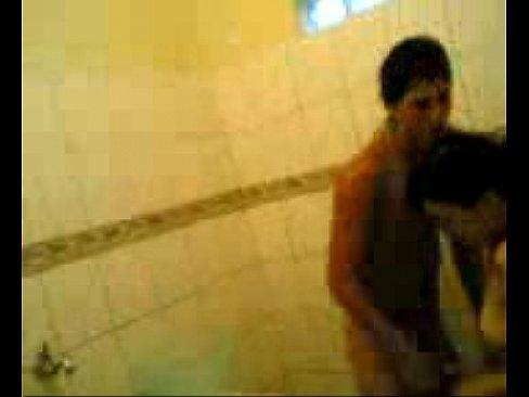 xvideostop.com.br – Comendo a própria irmã no banheiro