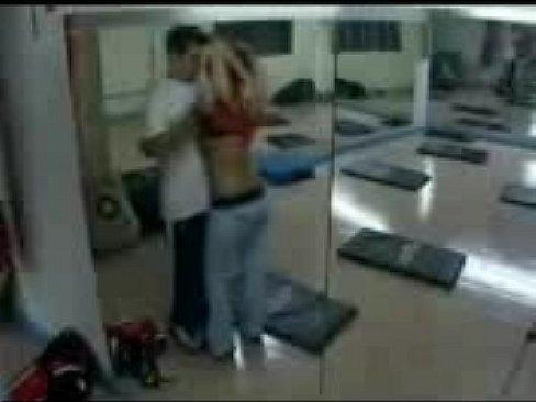 arab-couple-gym-romp-hidden-cam-video full 176 mp4