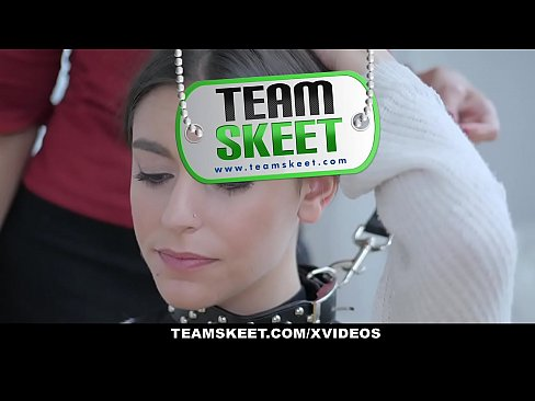 Dyked – Teen Dominated by Sexy Milf