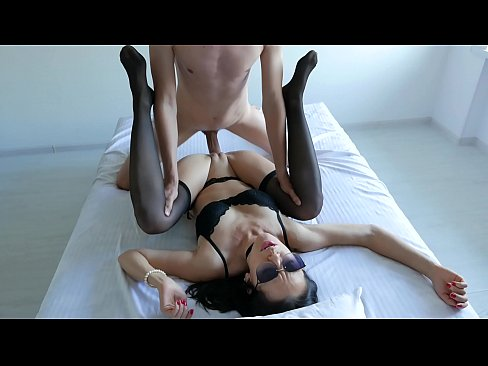 Amateur Morning Fuck For Young Nympho Babe In Stockings