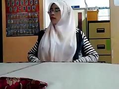 [New] Malay cikgu bertudung ramas tetek Full: www.intipaku21.stream