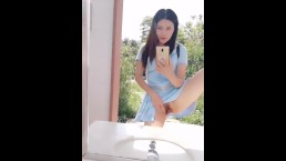 Chinese Cam Girl 刘婷 LiuTing Public Bathroom