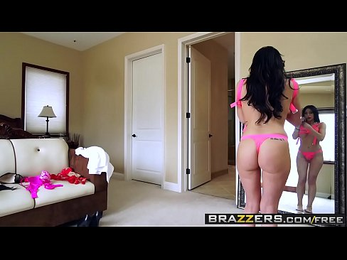 Brazzers – Mommy Got Boobs – Jaclyn Taylor Chad White – How Do I Look