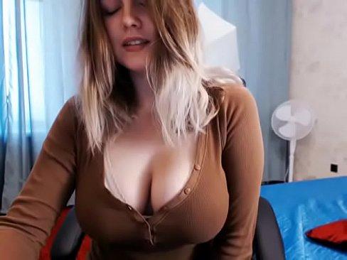 Hot big tits Bella